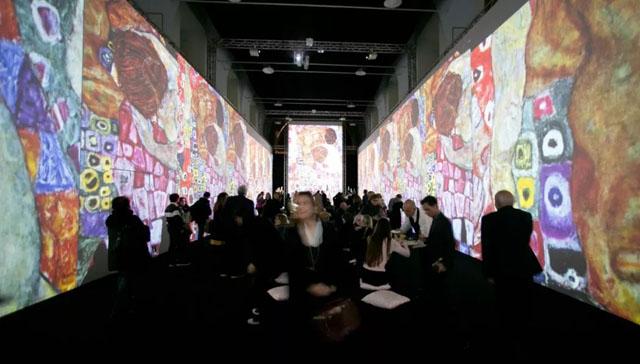 """全息艺术展览""""璀璨之境"""",带你走进克里姆特的艺术世界!"""