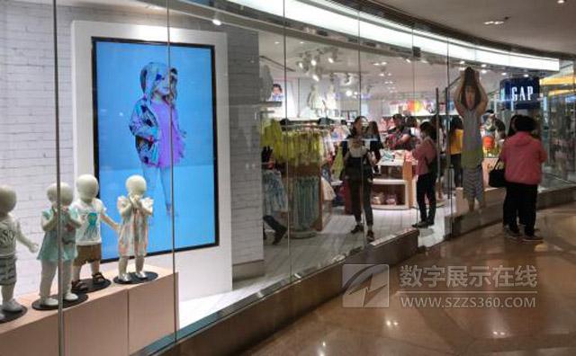 演绎GAP品牌故事,明基商用显示屏推动时装门店数字化