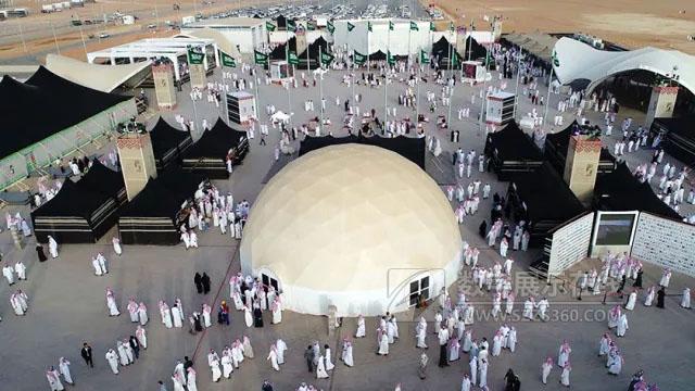 新媒体艺术案例:直径19米的球幕影院助力2018国际骆驼节