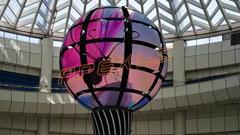 雷曼康硕展LED伸缩球形屏伴你遨游太空