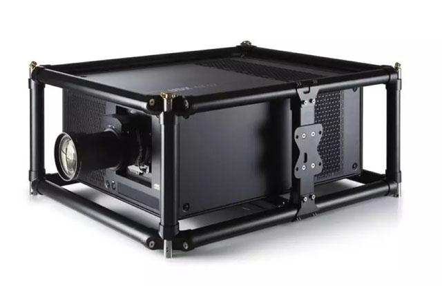 百余台巴可UDX系列双色激光工程投影机助力世界军运会盛大开幕