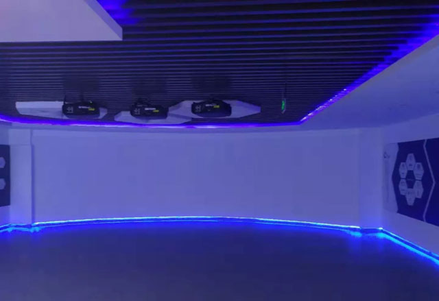 融合弧幕投影,全息创意显示|石墨烯创新中心展厅
