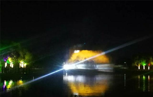 冰城首场裸眼3D光影水幕秀在平房上演