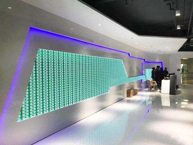 美丽无国界 联诚发LED异形屏走进OPPO印度总部