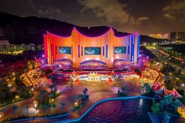 《龙秀》首演,1300平LED显示屏成剧院舞台核心元素