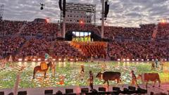 这个节日 艾比森LED地砖屏化身艺术舞台