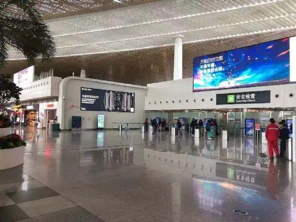 虚拟仿真案例:PHILIPS数字标牌创新应用在厦门机场候机楼